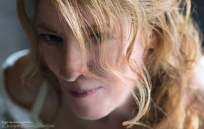 Amy-Demure